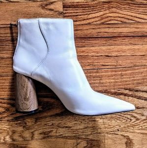 Zara Woman Pointed Leather Booties